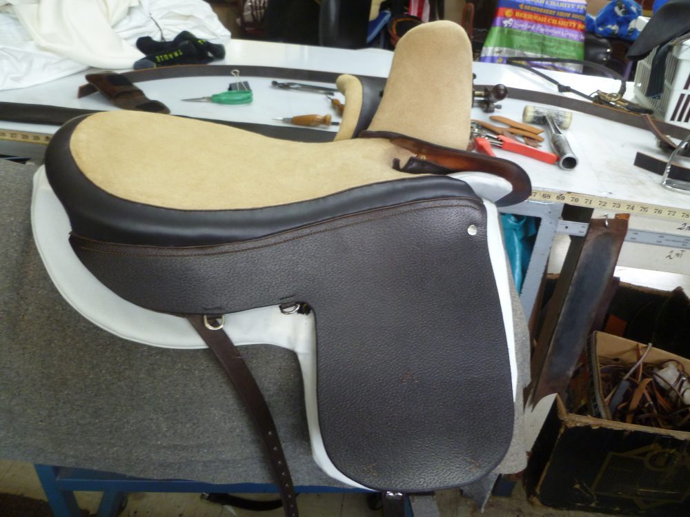 Dark brown Side Saddle